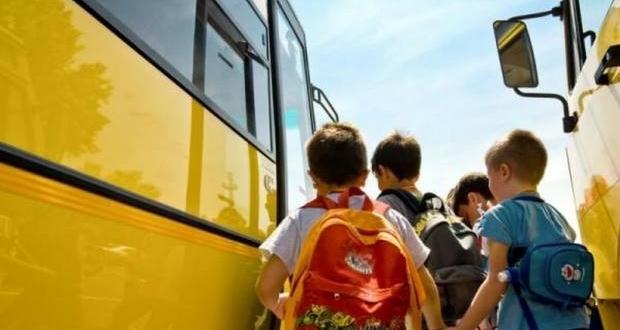 minibus elevi